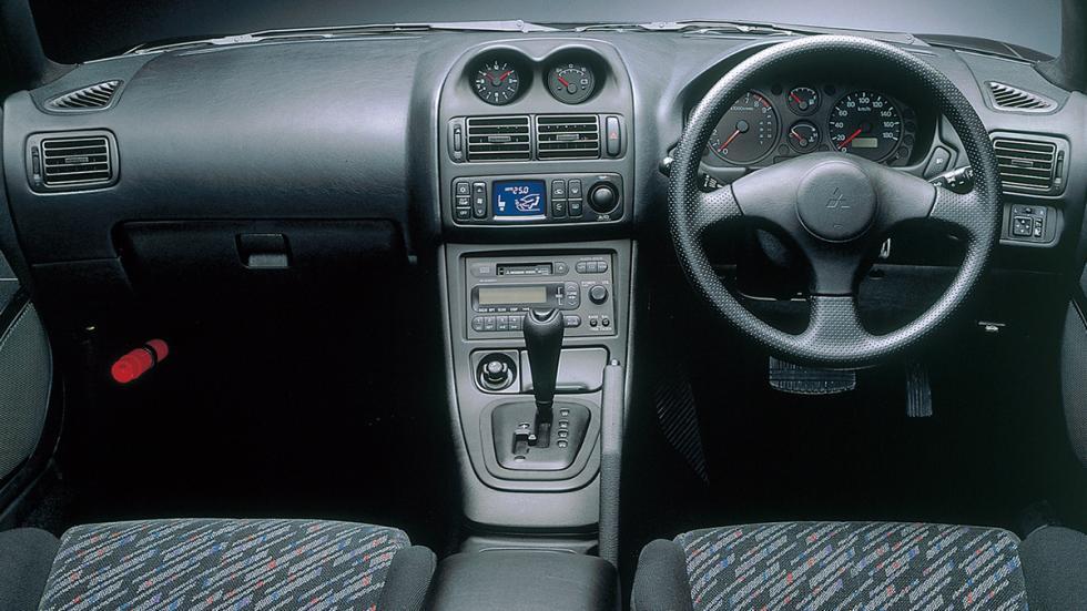 Mitsubishi-FTO-interior