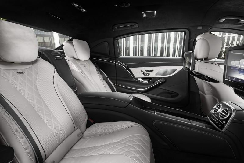 Mercedes-Maybach S600 Guard interior