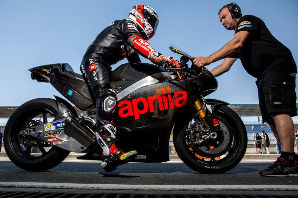 Test-Aprilia-MotoGP-Qatar-2016-1
