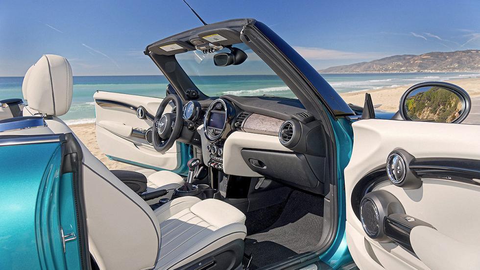 Mini Cooper S Cabrio lateral interior