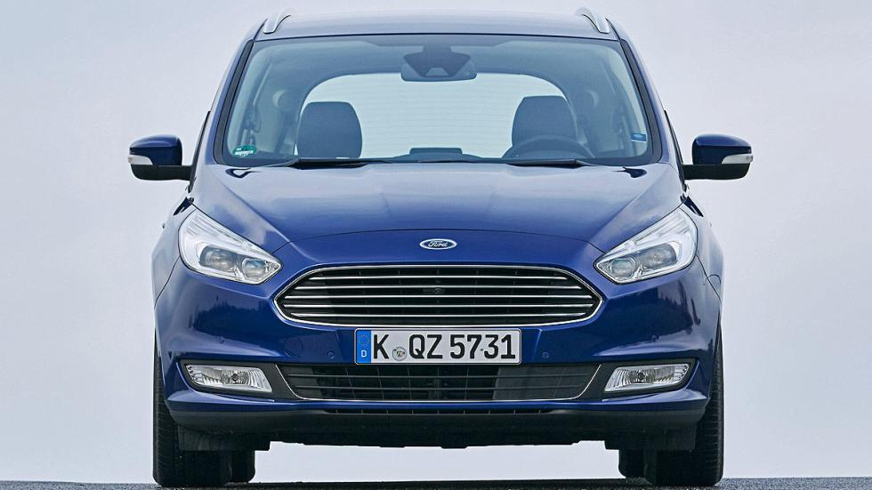 17 Volkswagen Sharan vs Ford Galaxy