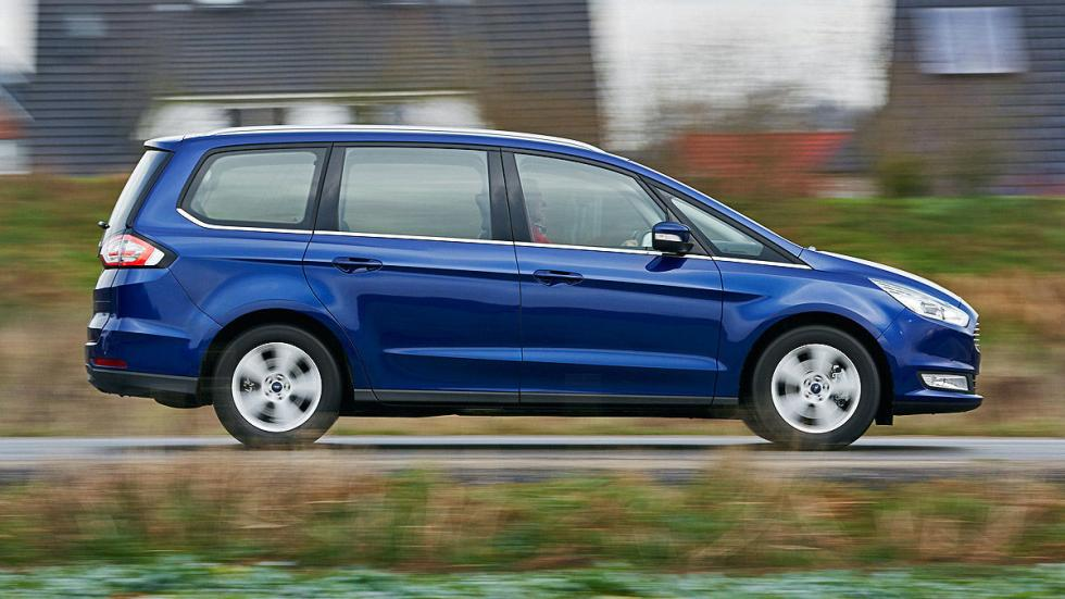 20 Volkswagen Sharan vs Ford Galaxy
