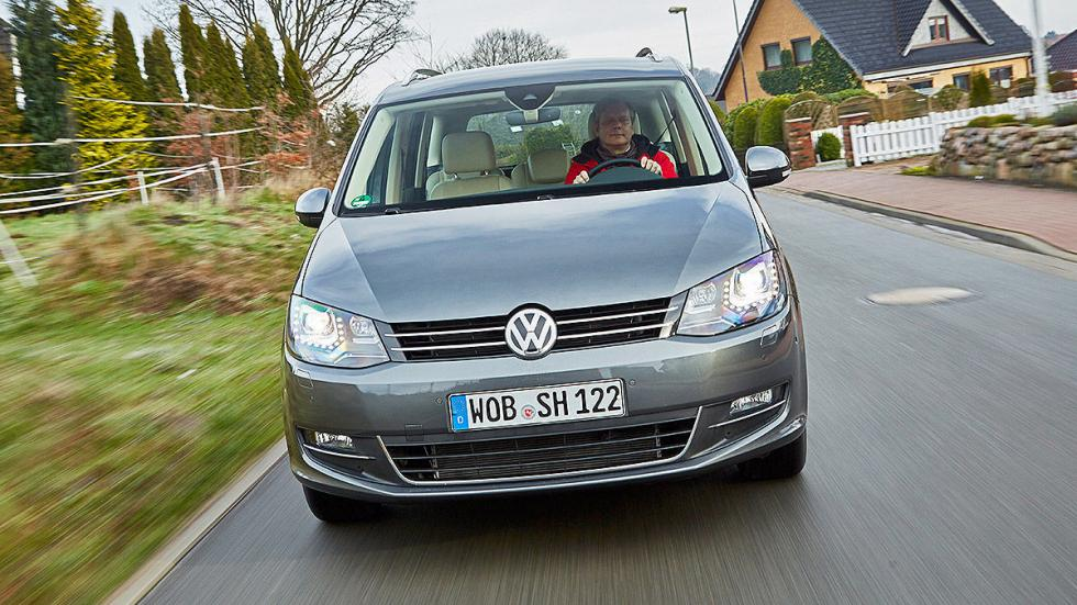 21 Volkswagen Sharan vs Ford Galaxy