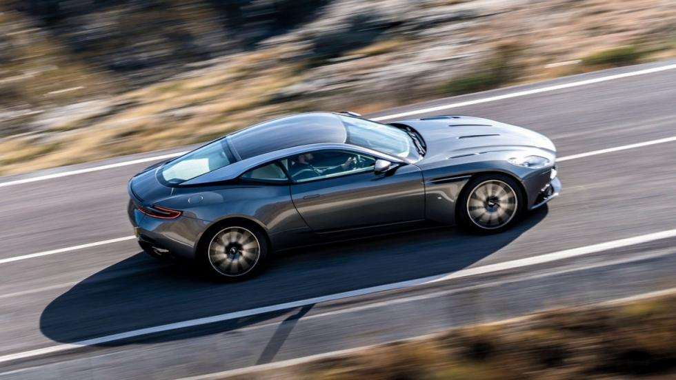 Aston Martin DB11 superior