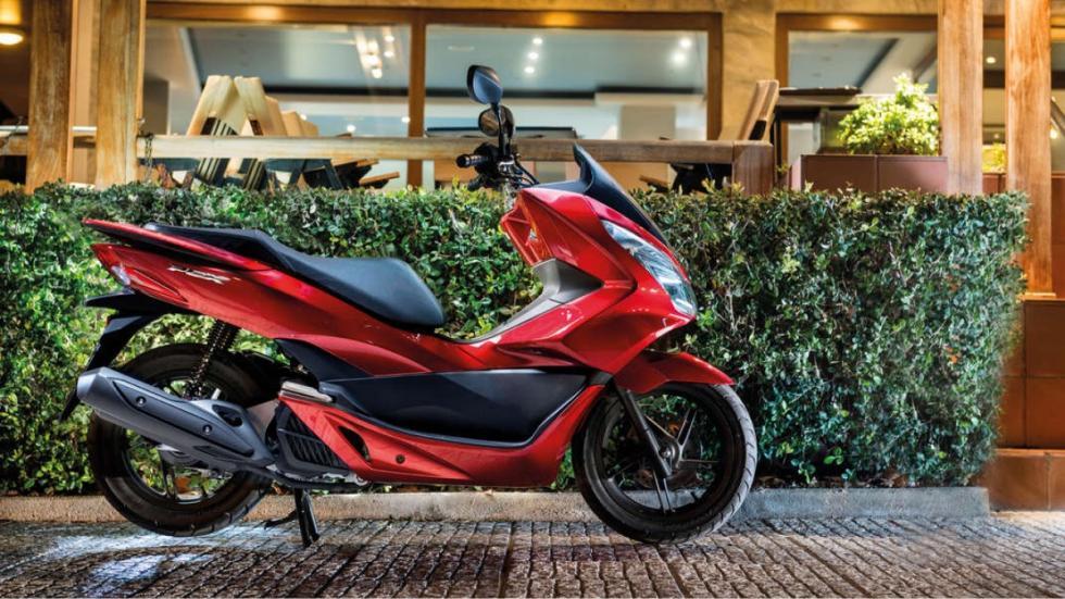 motos-más-vendidas-febrero-2016-Honda-PCX-125