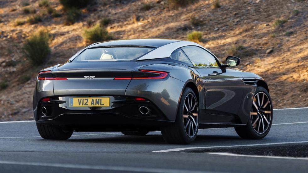 Aston Martin DB11 2016 trasera