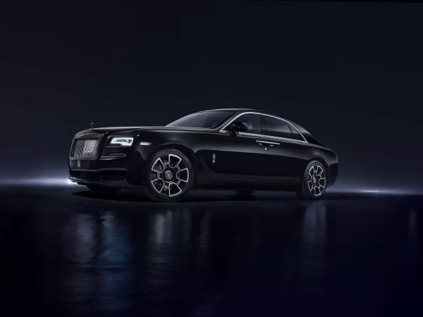 Rolls-Royce Black Badge tres cuartos delantero