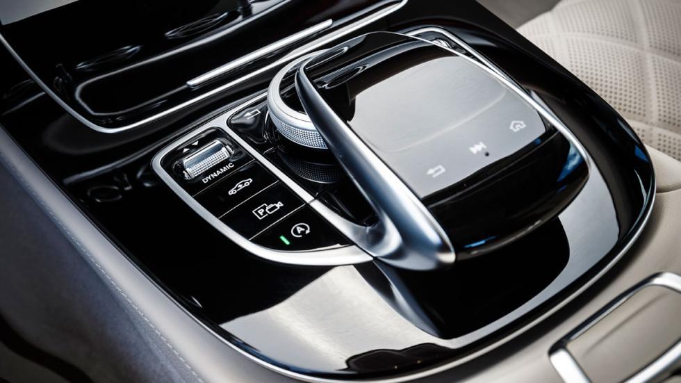 habitáculo del Mercedes Clase E 2016