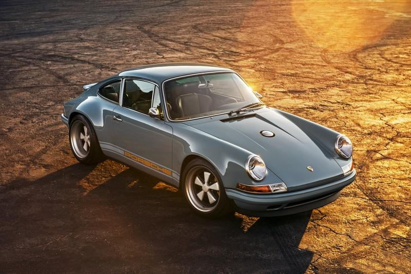 Porsche 911 de Singer Vehicle Design aérea