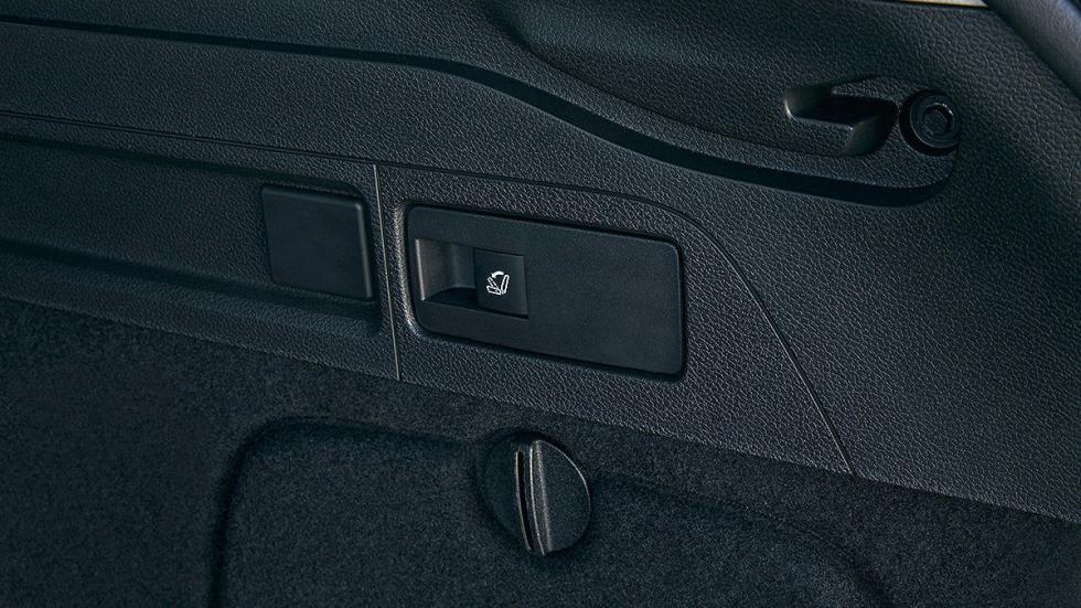 Prueba Opel Astra ST 2016 detalle botón maletero