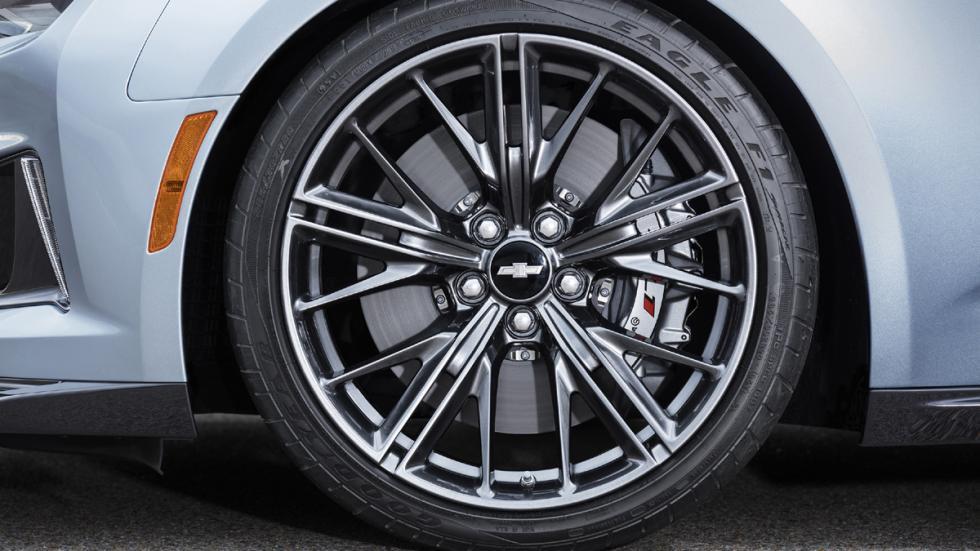 Chevrolet Camaro ZL1 2016 llantas