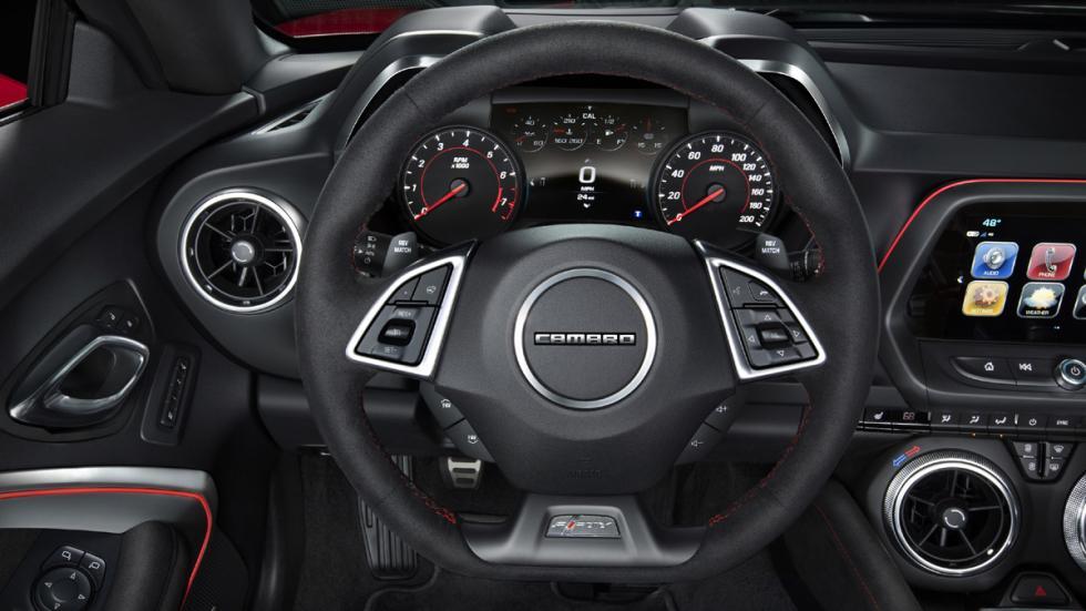Chevrolet Camaro ZL1 2016 volante