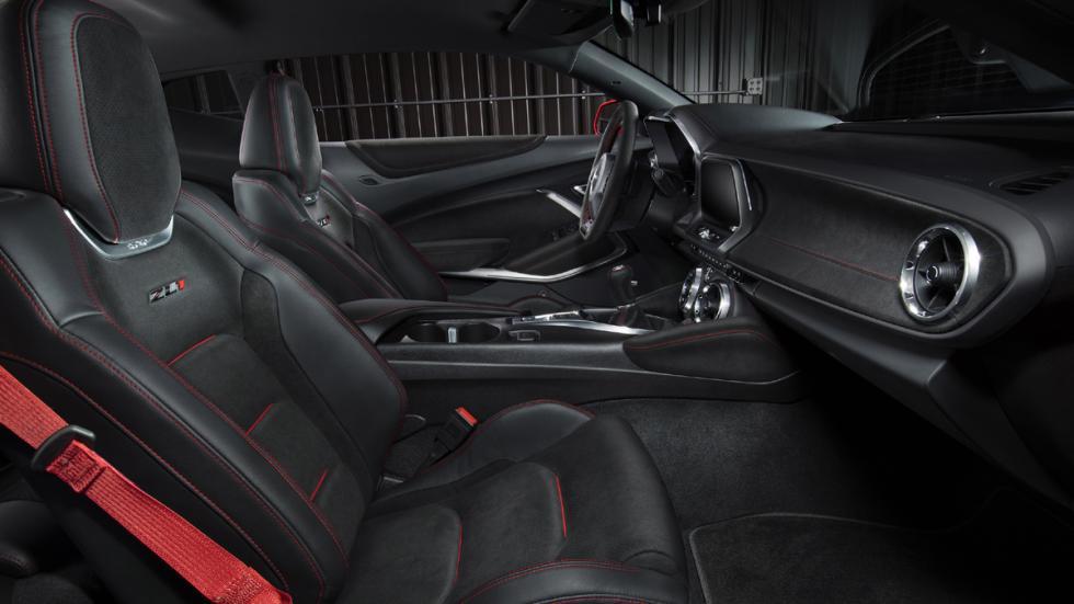 Chevrolet Camaro ZL1 2016 interior
