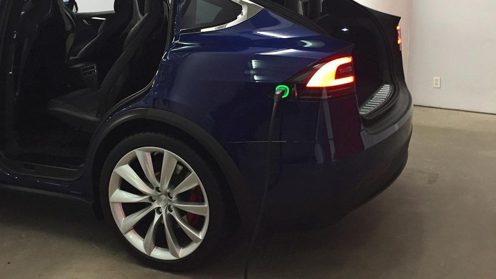 Prueba: Tesla Model X P90D 2016 zaga portón enchufe