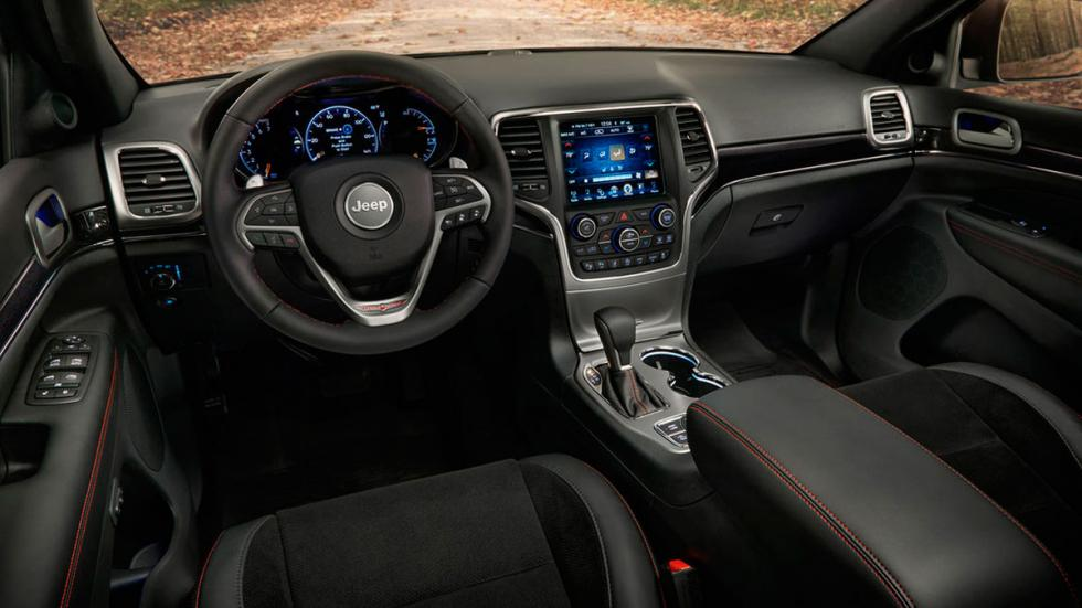 Jeep Grand Cherokee Trailhawk interior