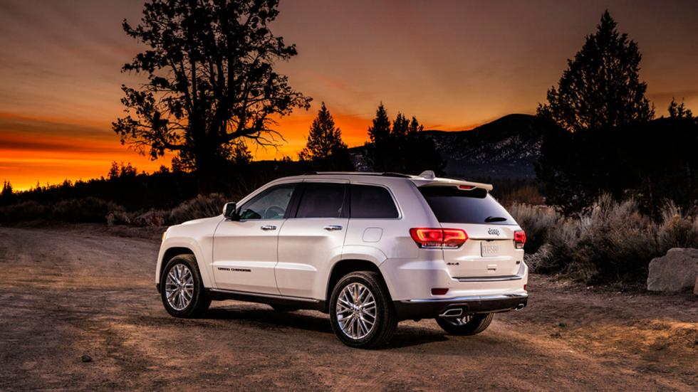 Jeep Grand Cherokee Summit trasera