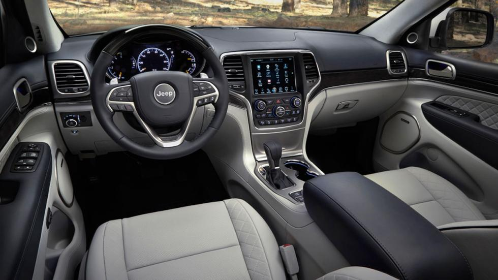 Jeep Grand Cherokee Summit interior