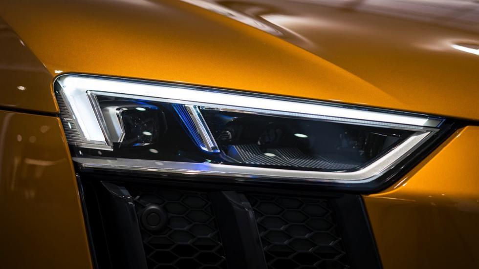 Audi R8 V10 plus personalizado por Audi Exclusive faro