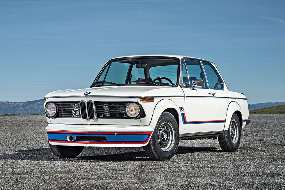 4 Duelo de ayer y hoy: BMW M2 vs BMW 2002 turbo