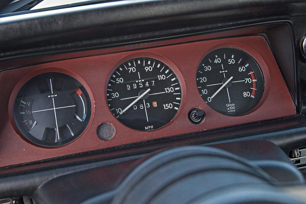 11 Duelo de ayer y hoy: BMW M2 vs BMW 2002 turbo
