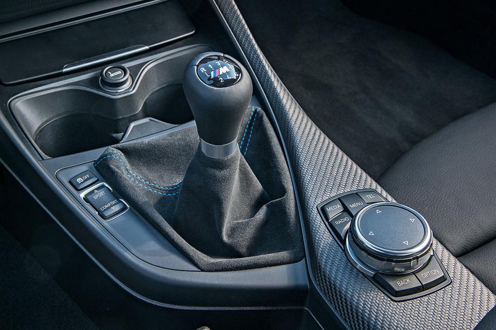 12 Duelo de ayer y hoy: BMW M2 vs BMW 2002 turbo
