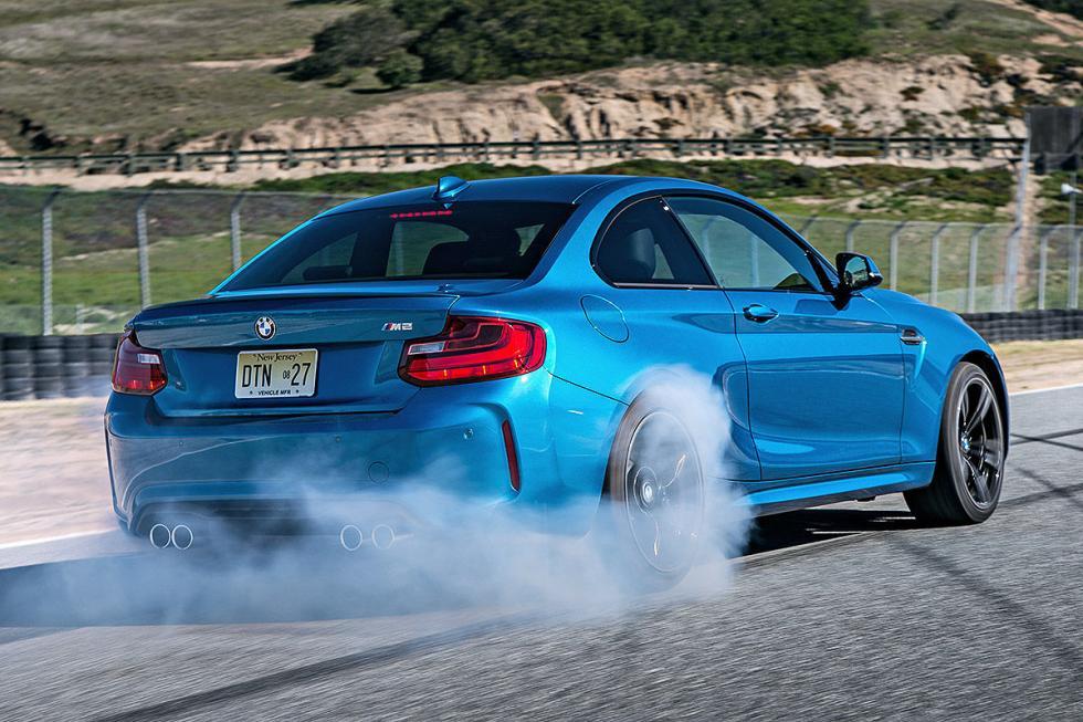 13 Duelo de ayer y hoy: BMW M2 vs BMW 2002 turbo