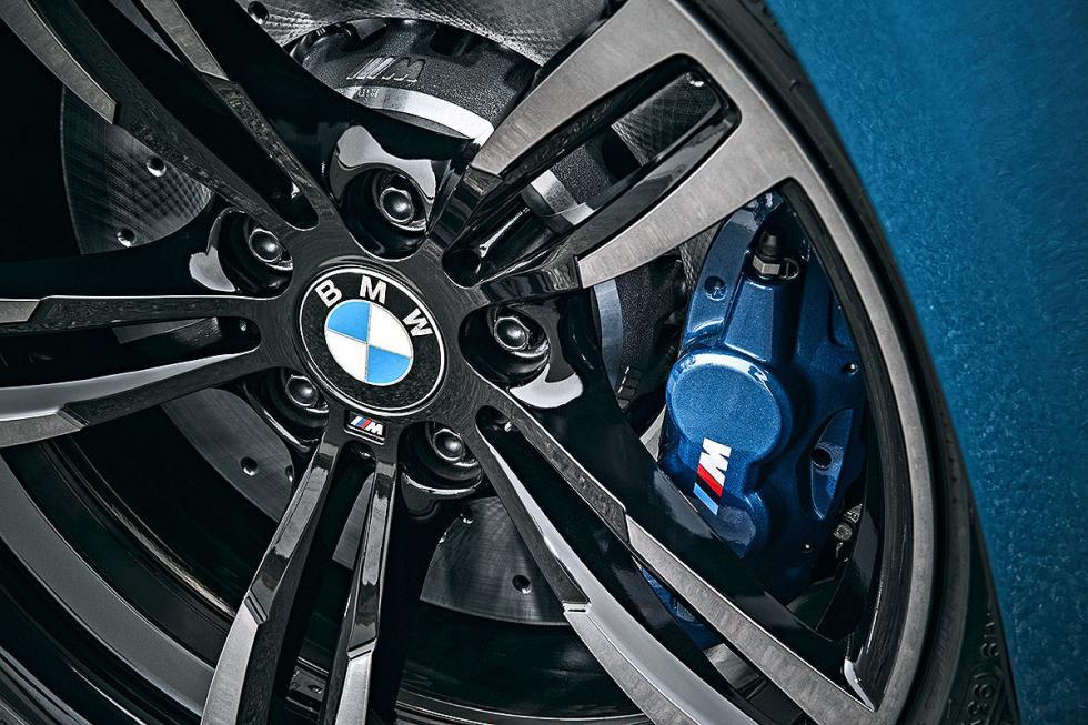 16 Duelo de ayer y hoy: BMW M2 vs BMW 2002 turbo