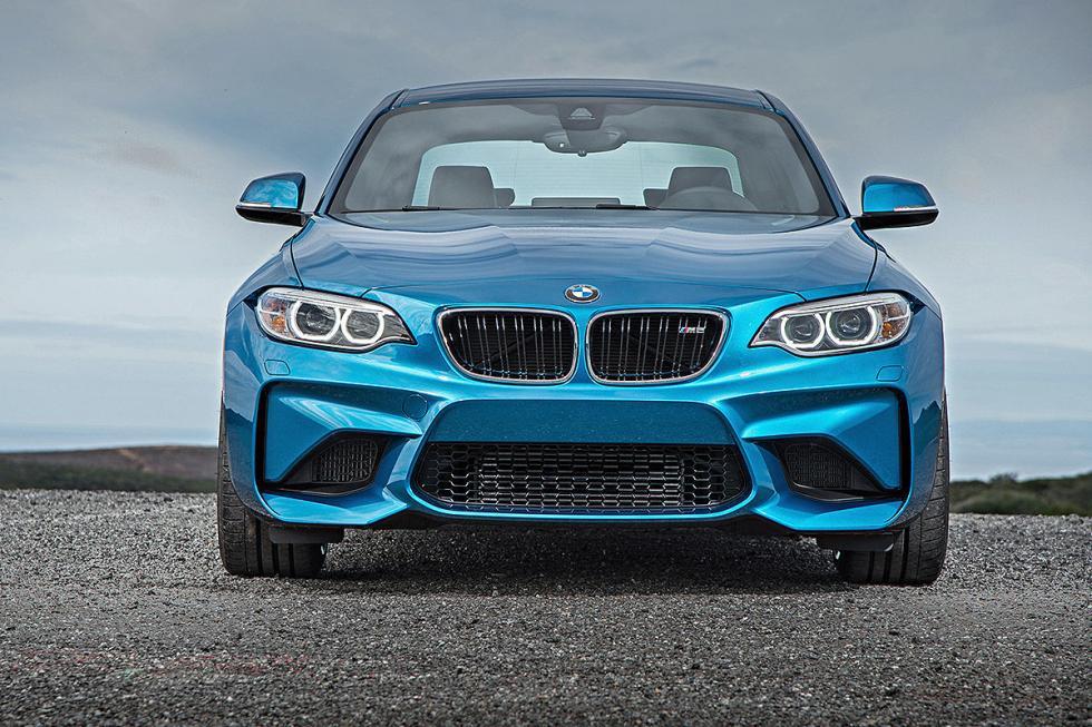 19 Duelo de ayer y hoy: BMW M2 vs BMW 2002 turbo