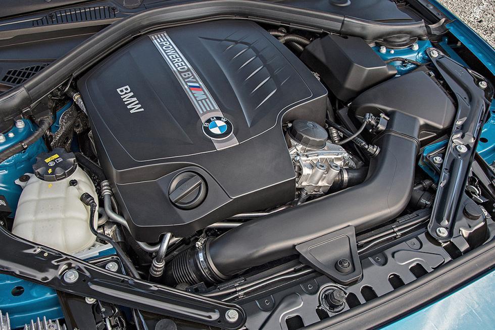 22 Duelo de ayer y hoy: BMW M2 vs BMW 2002 turbo