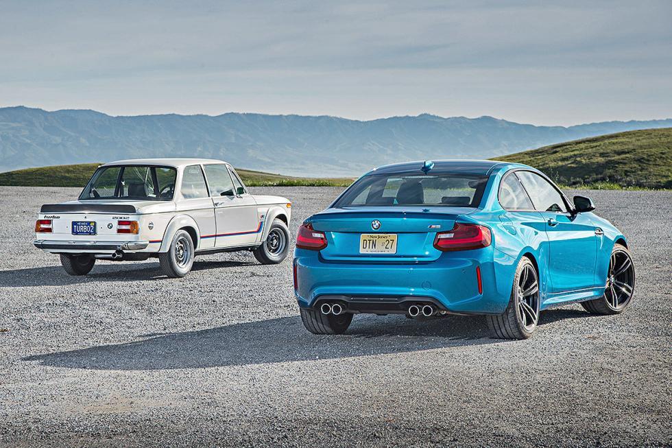 25 Duelo de ayer y hoy: BMW M2 vs BMW 2002 turbo