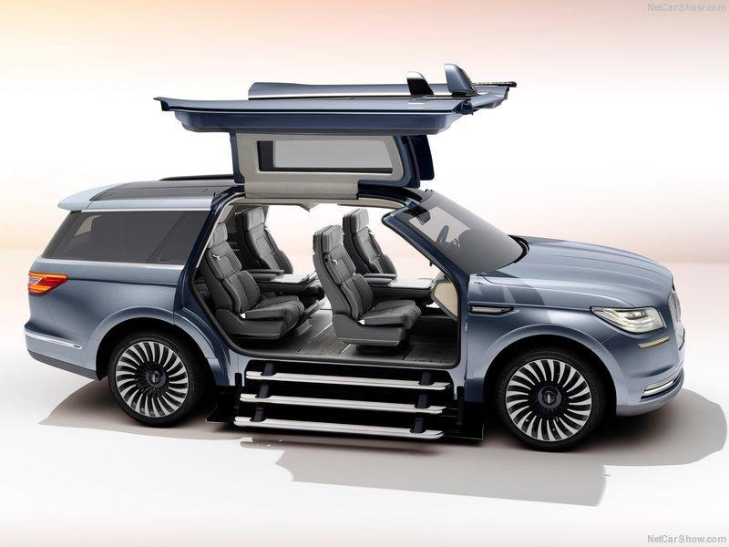Lincoln Navigator Concept 2016 puertas abiertas