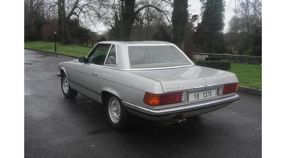 Mercedes SL del dictador rumano Ceausescu tres cuartos traseros
