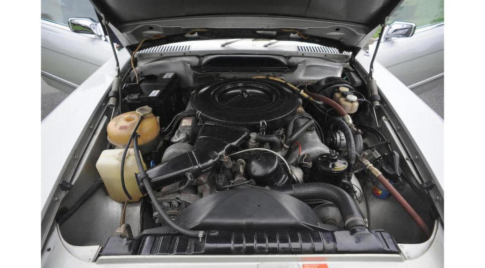 Mercedes SL del dictador rumano Ceausescu motor