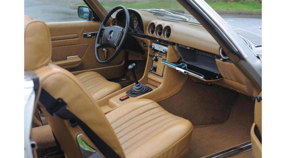 Mercedes SL del dictador rumano Ceausescu interior