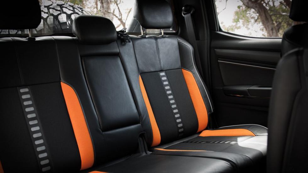 Chevrolet Colorado Xtreme asientos traseros