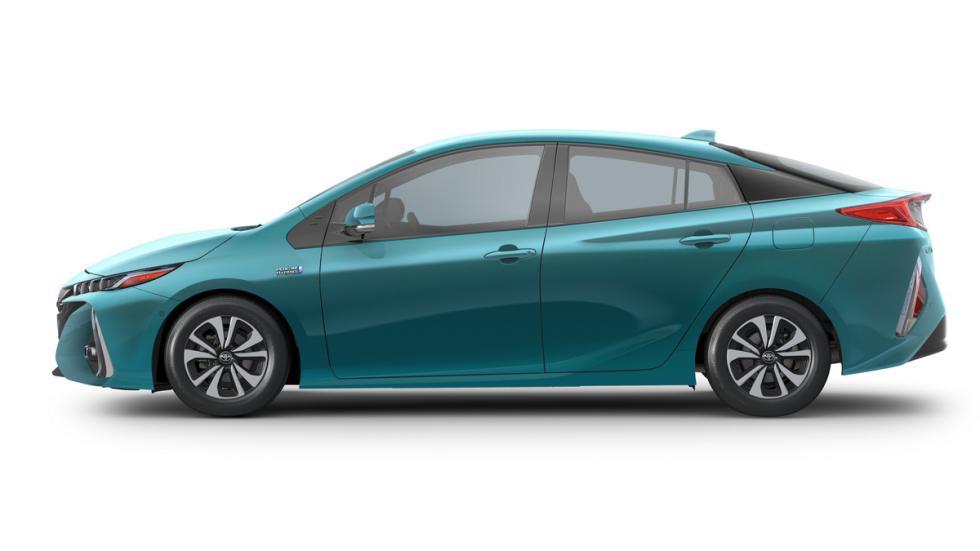 Toyota Prius Prime lateral