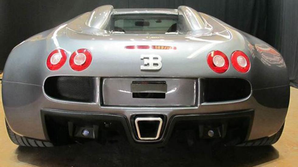 Réplica de Bugatti Veyron culo