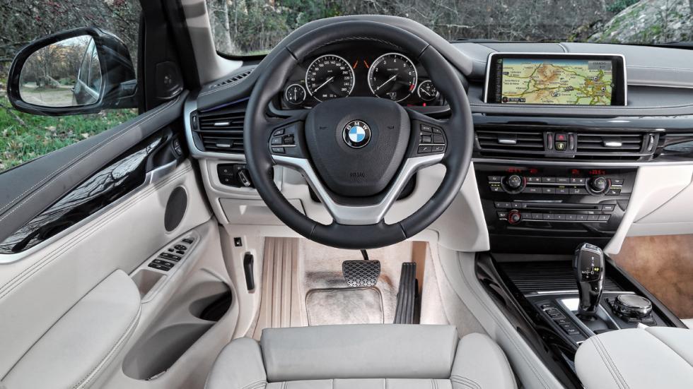 BMW-X5-eDrive-salpicadero