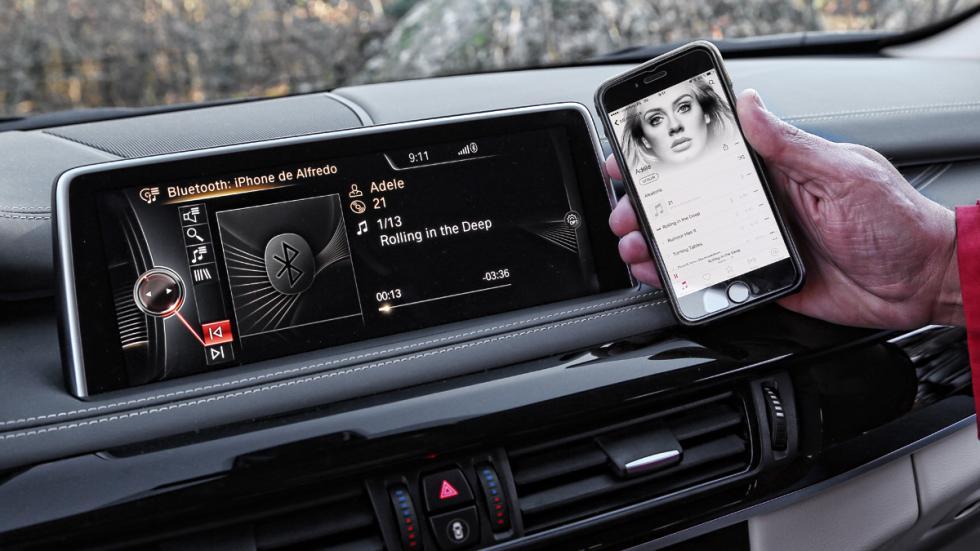 BMW-X5-eDrive-pantalla-conectividad