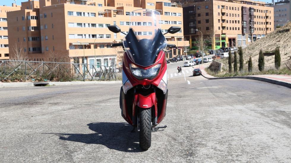 Prueba-Yamaha-N-Max-125-2016-estática-frontal