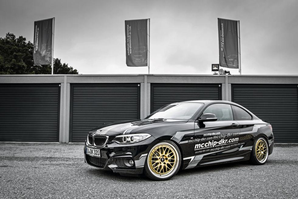 BMW 220i 'tuneado' tres cuartos delanteros