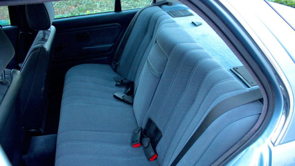 BMW E30 325i asientos