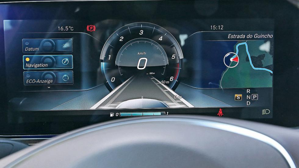 Mercedes Clase E 2016 detalle pantalla