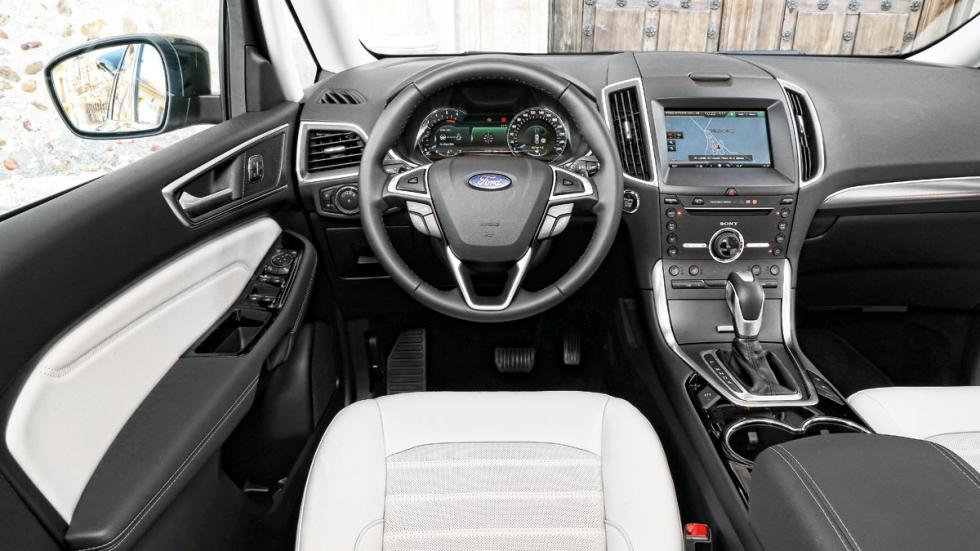 puesto de conducción del Ford Galaxy es correcto