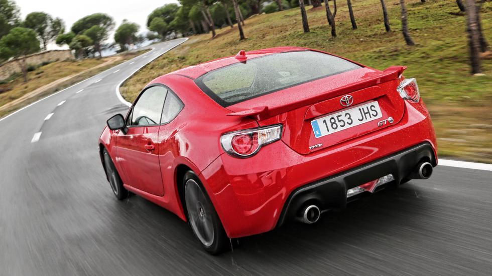 Toyota-GT86-tres-cuartos-trasera