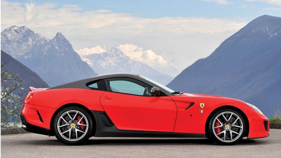 Ferrari 599 GTO usado lateral