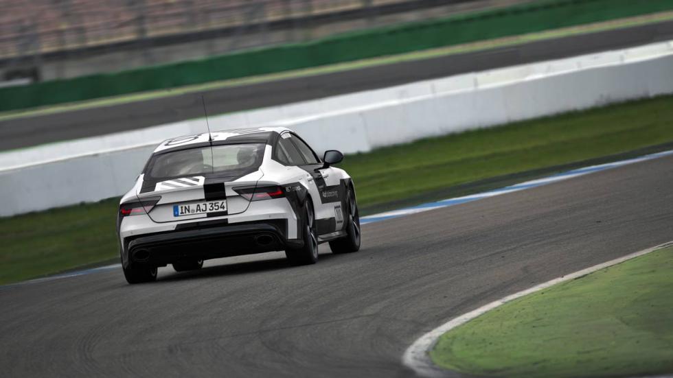 Audi RS 7 autónomo circuito