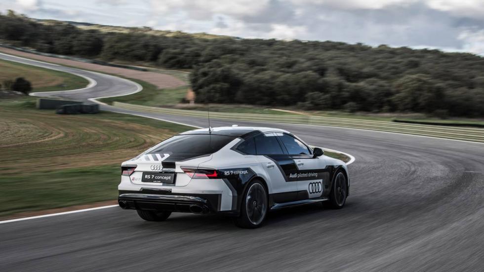 Audi RS 7 autónomo en Ascari resort