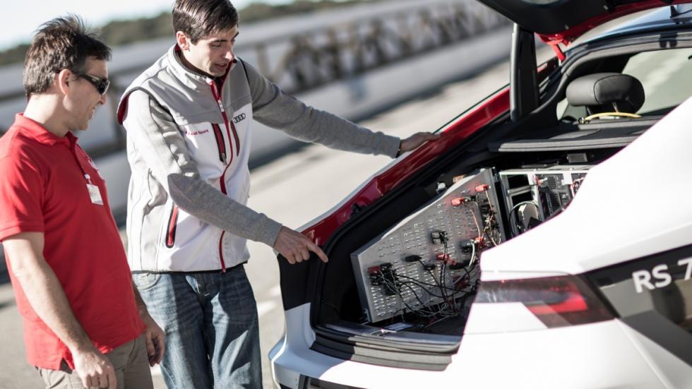 coche autónomo de audi ascari maletero