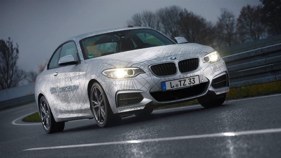 BMW prueba su coche autónomo de noche
